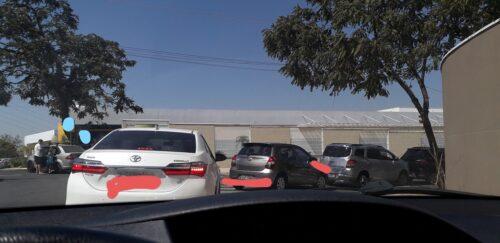 学校の送迎ドライブスルー